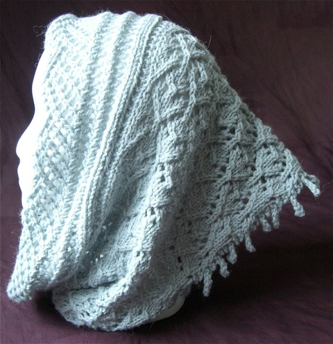 Lace_and_fringe_cowl_3.jpg