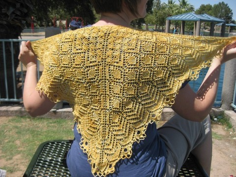 Triangle_shawl_026.jpgmain.jpg