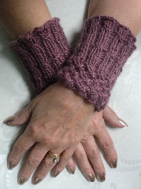 pf1-hands.jpg