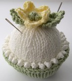 Lemon_cupcake_pincushion_3