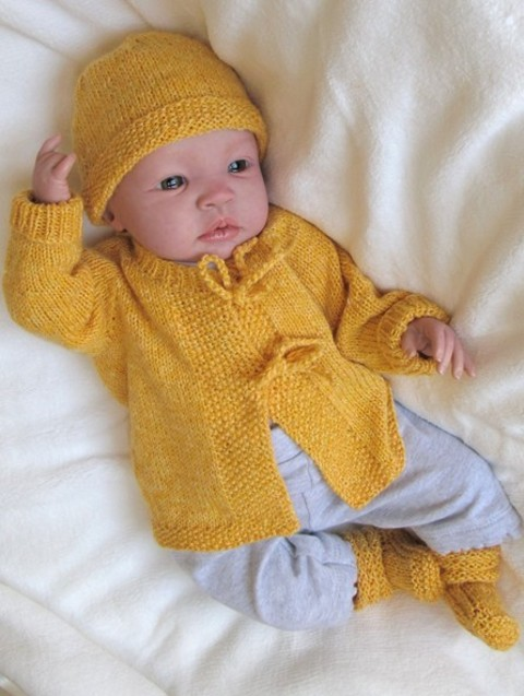 Yellow_layette__shyanne.jpg