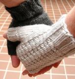 Hold_ewe_r_hand