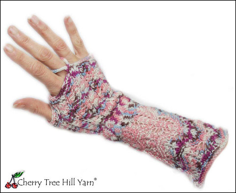 cth-297-lace-and-cable-mitts.jpg
