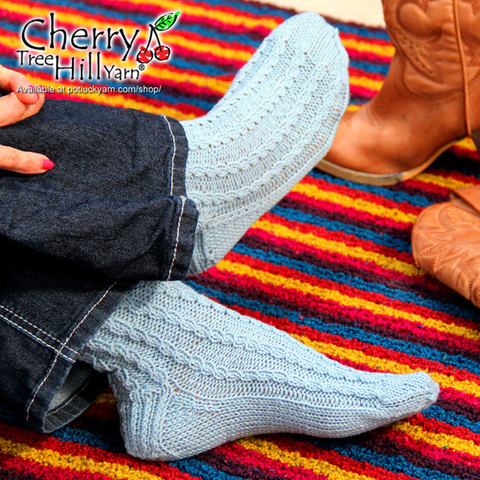 cth-324-faux-cable-socks.jpg