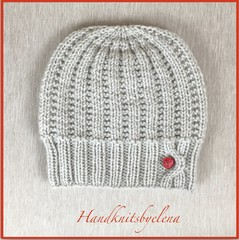 b26d5e0ba51 Hat 20lea 20with 20a 20heart 20button. Handknitsbyelena  Hat